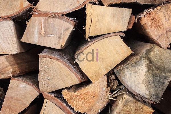 Harga Jual lemari pintu 3 kayu jati di Curug Serang