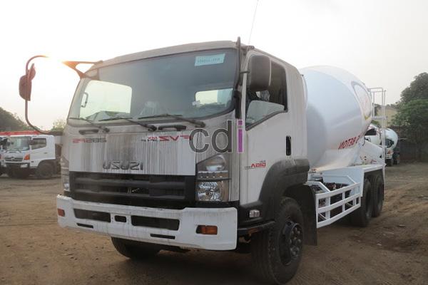 Truck Mixer Beton Isuzu