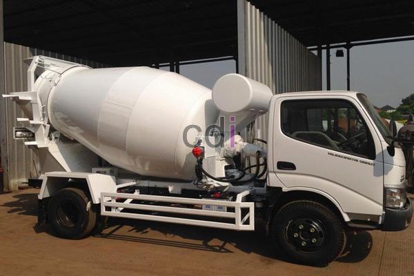 Truck Mixer Beton Hino Mini