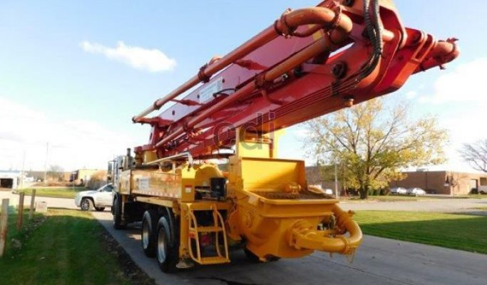 Menyewakan Concrete Pump Super Long Boom