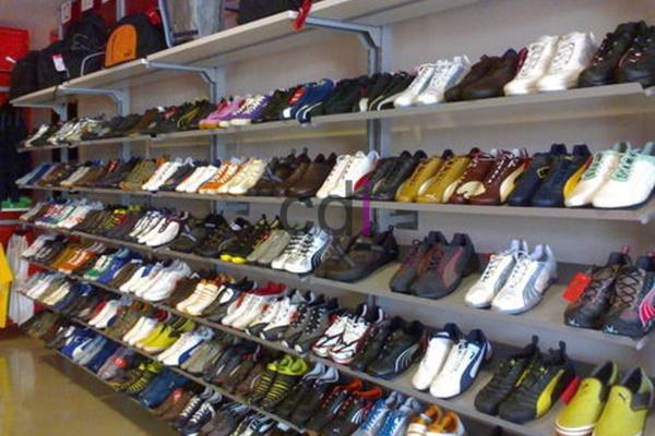 Desain Rak Sepatu Minimalis